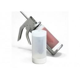 Pistolet à sauces 10 ml rouge pour bouteilles de 630 ml : détail bavec une bouteille