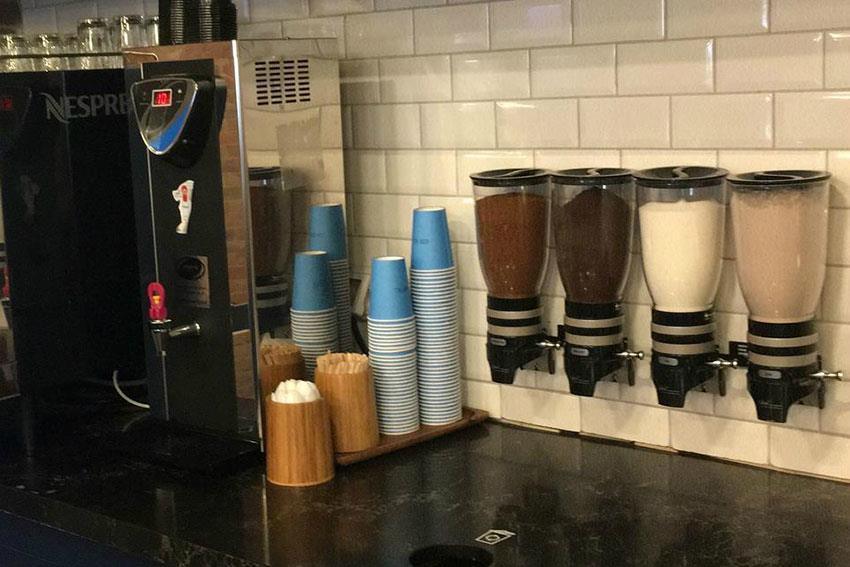 Distributeur double sucre et café